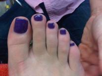Mobile Manicures: Purple Toes