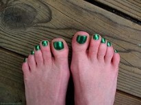 Mobile Manicures: Shiny Green